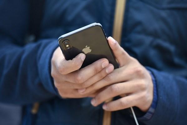 فرانسه از اپل خواست محدودیت های ردیابی ویروس کرونا را افزایش دهد