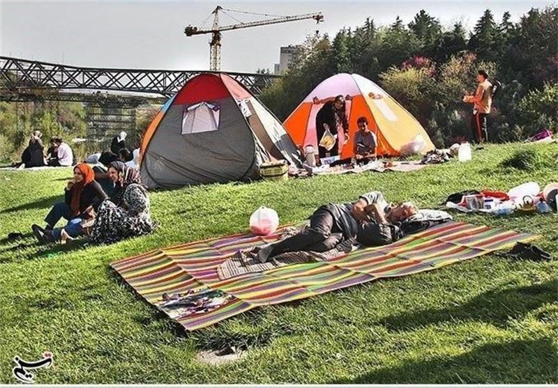 مسافران نوروزی اجازه نصب چادر در پارک های همدان را ندارند