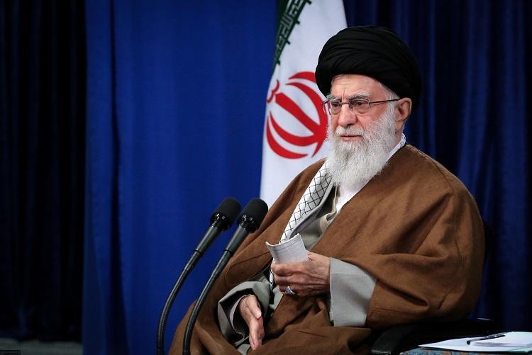 رهبر انقلاب: متأسفانه عده ای در کشور دائم میگویند نمی شود و نمی توانیم، در تولید می توانیم به جهش دست یابیم