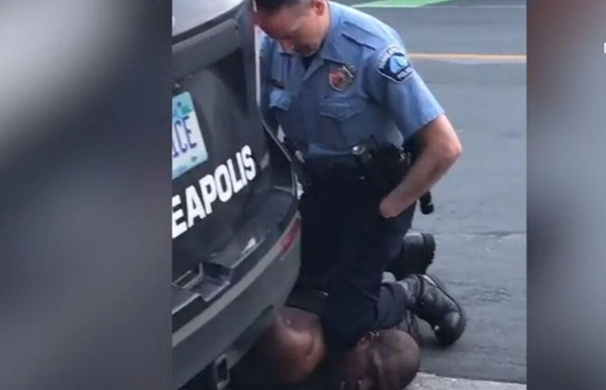 قتل وحشتناک سیاه پوست آمریکایی توسط پلیس