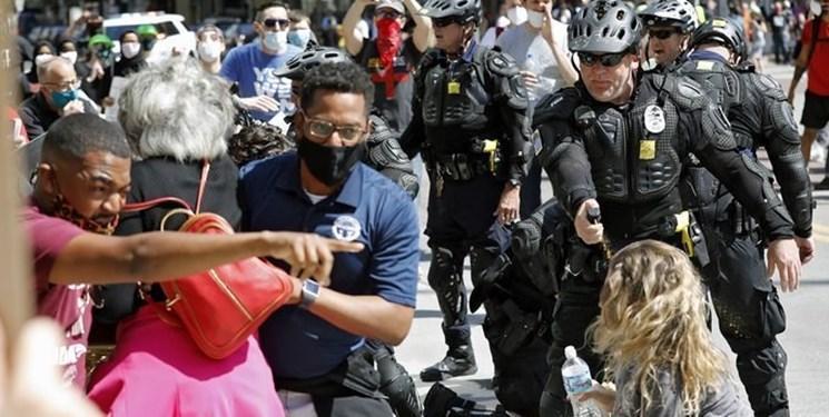 افزایش خرید اسپری فلفل در آمریکا همزمان با تشدید اعتراضات سراسری