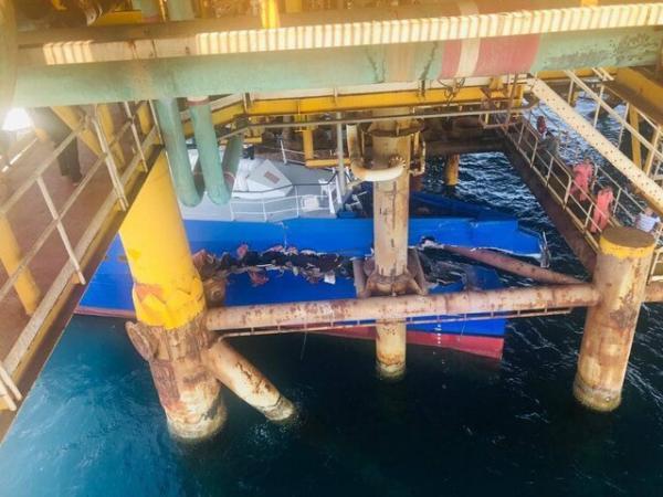 برخورد شناور تندرو با سکوی گاز پارس جنوبی